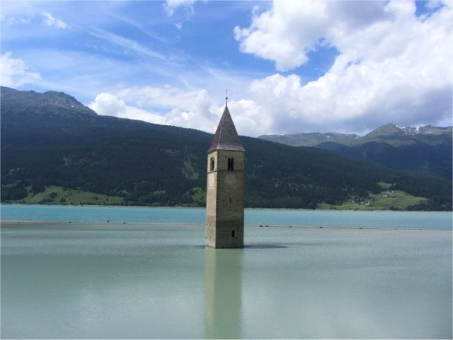 town-under-water